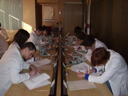 Tecnología: el gran aliado de médicos y maestros